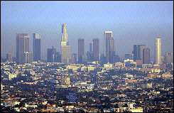 Los Angeles smothered by a thcih layer of smog
