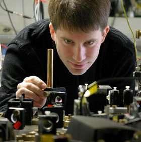 Laser tweezers sort atoms