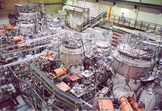 Fusion scientist revives magnetic mirror machine with cool new idea