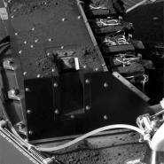 More Soil Delivered to Phoenix Lander Lab