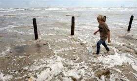 With Ike, size matters for killer storm surge (AP)