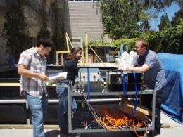 Toward cheap underwater sensor nets