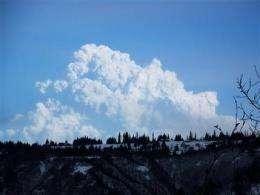 Alaska's Mount Redoubt spews ash 50,000 feet high (AP)