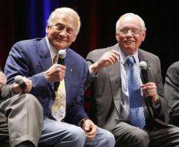 Apollo astronauts relive experiences at ceremony (AP)