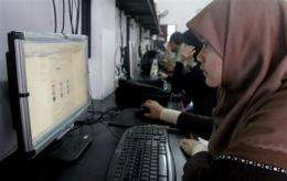 Indonesian imams OK Facebook - but no flirting! (AP)