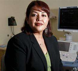 No scars: New obesity surgery goes through mouth (AP)