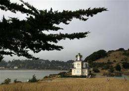 Town on SF Bay wants to photograph every car (AP)