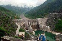 UN study advises caution over dams (AP)