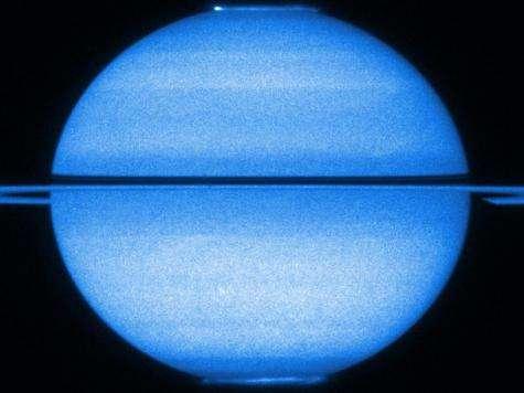 Cassini finds Saturn sends mixed signals