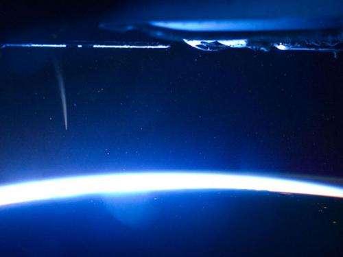 Space station commander captures unprecedented view of comet Lovejoy