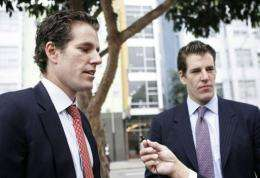 Tyler (R) and Cameron Winklevoss