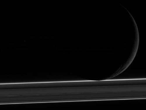 Cassini flyby focuses on Saturn's moon Enceladus