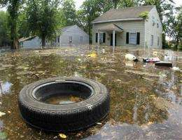 Flooding peaks in Memphis; downstream danger lurks (AP)