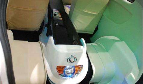 Geely McCar: Electric vehicle and scooter in one