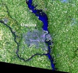 Landsat 5 captures Missouri River flooding near Omaha