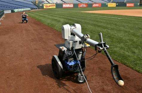 Robot to throw out first pitch at Phillies game