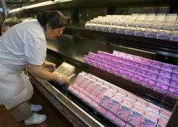 Schools may ban chocolate milk over added sugar (AP)