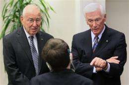 Astronauts among dignitaries at Armstrong service