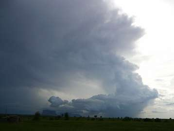 Daytime storms more likely to develop over drier soils