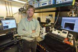 Researchers present a shiny new tool for imaging biomolecules