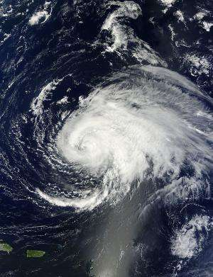NASA sees Hurricane Leslie's eye close
