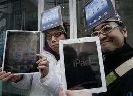 Apple fans buy iPad on 1st day, some wait hours (AP)