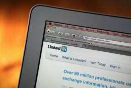 Career-oriented social network LinkedIn on Thursday announced a $118.75 million deal to buy SlideShare service