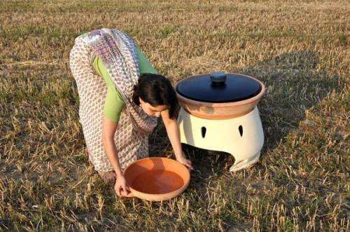 Designer creates solar powered oven to cheaply freshen salt water
