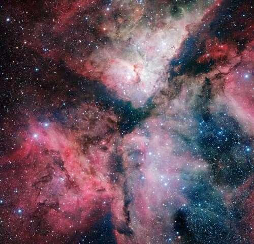 Image of the Carina Nebula marks inauguration of VLT Survey Telescope
