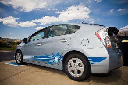 Households manage plug-in hybrids without help from online tools, says CU-led study