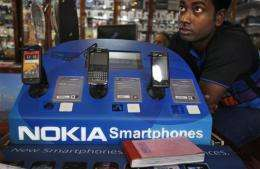 Nokia loss widens on slumping smartphone sales