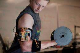 Students invent device for the perfect bicep curl