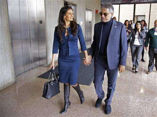 Bocelli visits MIT for adaptive tech workshop