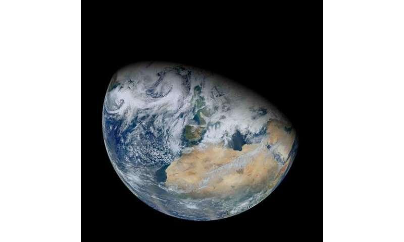 Cloud behavior expands habitable zone of alien planets