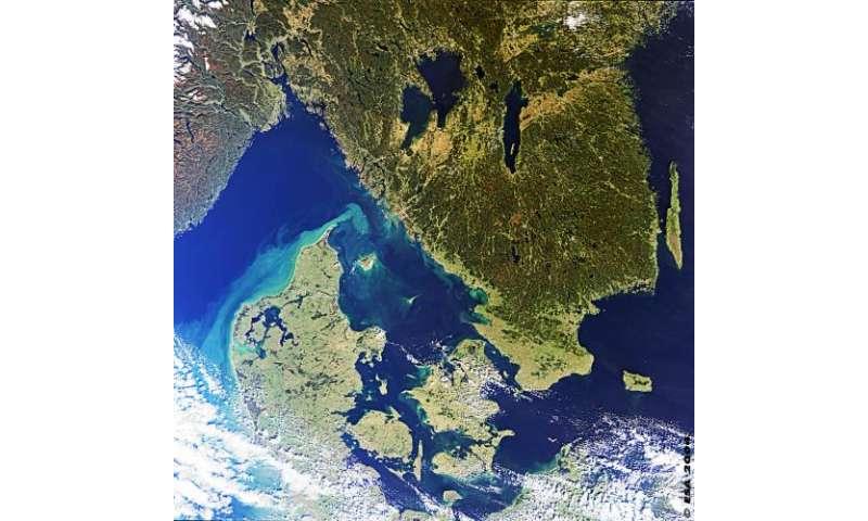 CryoSat measures European storm surge