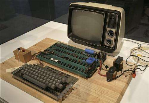 First Apple computer sells at auction for $387,750