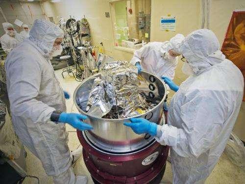 NASA's Webb Telescope components meet 'Big Red'