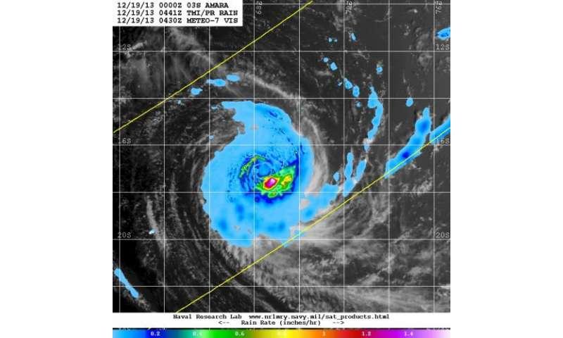 NASA sees heavy rain continue in Tropical Cyclone Amara
