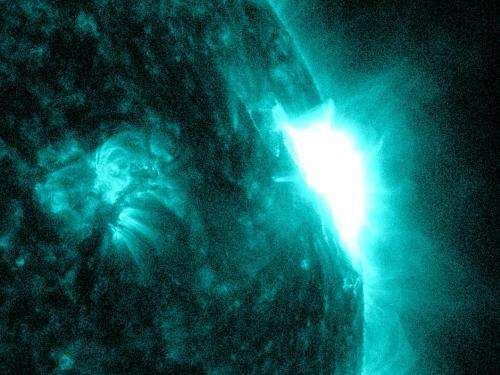 NASA's SDO observes mid-level solar flare