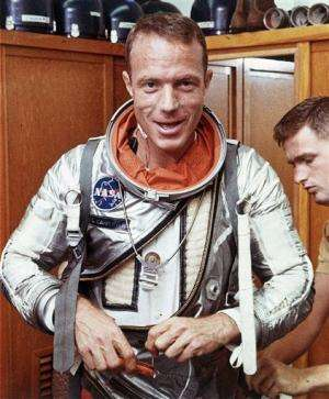 Scott Carpenter, 2nd US astronaut in orbi