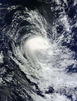 Cyclone Imelda's eye opens and closes for NASA's Aqua satellite