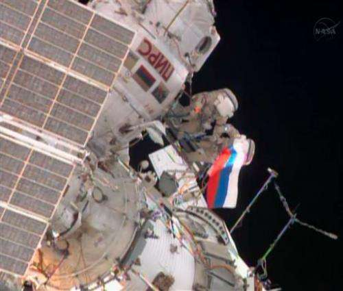 Russian spacewalkers encounter faulty equipment