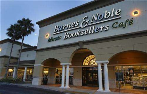 Barnes & Noble 1Q loss widens; Riggio ends offer