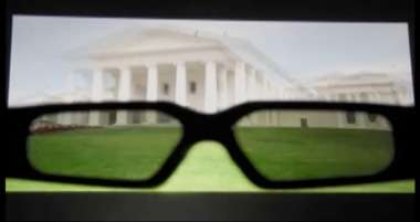 Researchers develop 3-D display with no ghosting for viewers without glasses