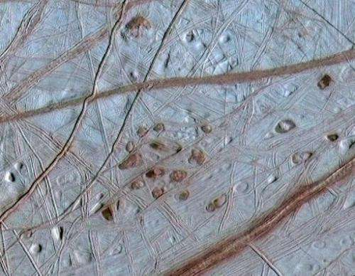 A view of Europa surface, combining information from images from NASA's Galileo spacecraft 31 May, 1998