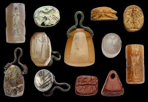 More than 600 ancient seals and amulets found