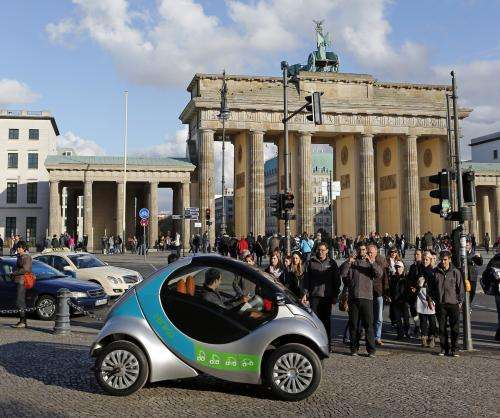 Berlin commuters will use folding EV Hiriko