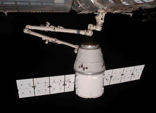 Coating protects dragon against rigors of space