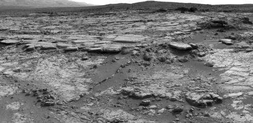 Curiosity rover explores 'Yellowknife Bay'
