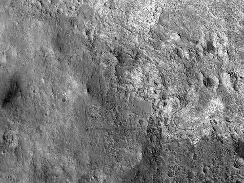 Curiosity's rambling tracks visible from Mars orbit
